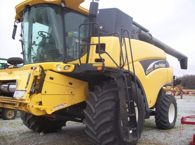 2003 New Holland CR960 Combine For Sale