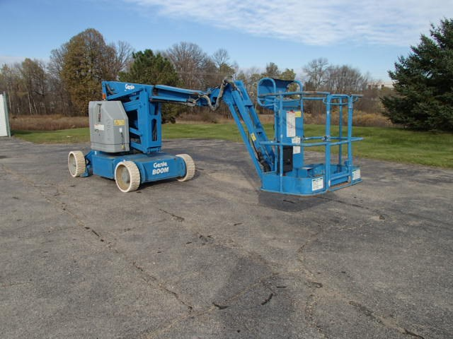 2011 Genie Z34/22N Boom Lift-Articulating For Sale