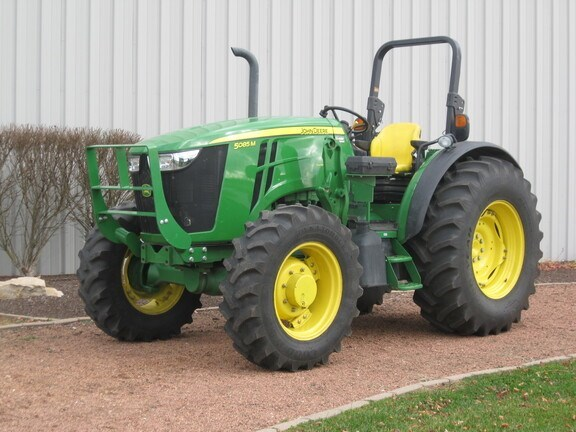 2013 John Deere 5085M Tractor - Utility For Sale
