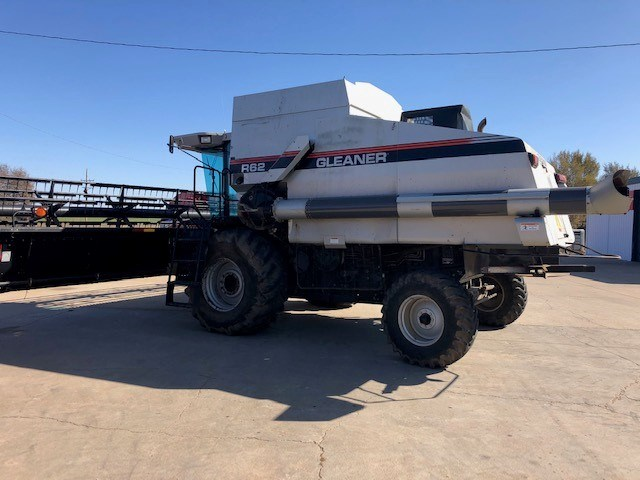 1997 Gleaner R62 Combine For Sale