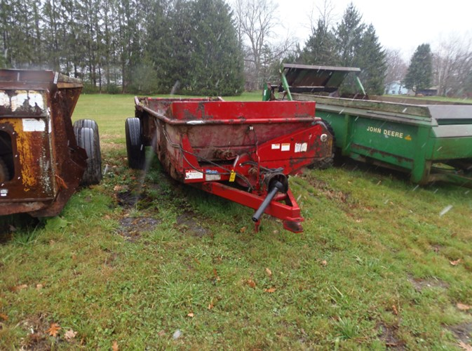 2015 New Holland 165 Manure Spreader-Dry/Pull Type For Sale