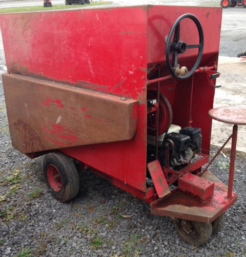 Uebler 810 Feed Cart For Sale