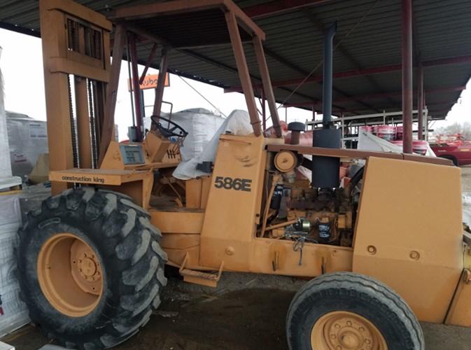 Case 586E Lift Truck/Fork Lift-Industrial For Sale