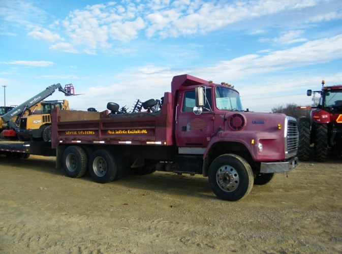 1993 Ford 9000 Dump Truck For Sale