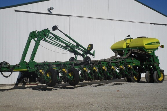 2014 John Deere 1770NT CCS Planter For Sale