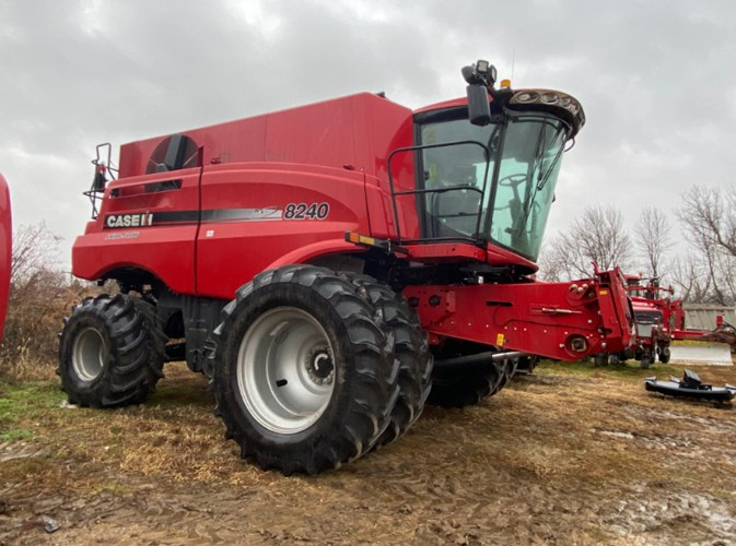 2017 Case IH 8240 Combine For Sale