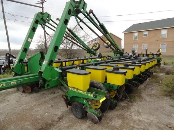 2002 John Deere 1770 Planter For Sale