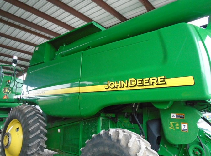 2005 John Deere 9860STS Combine For Sale