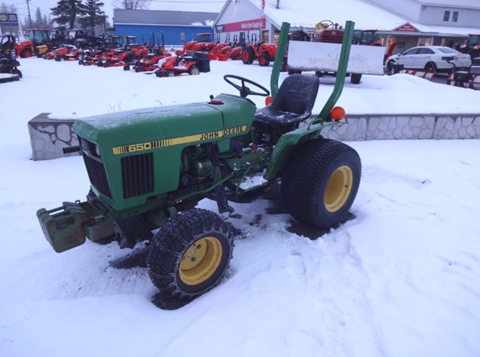1986 John Deere 650 Tractor - Compact Utility For Sale