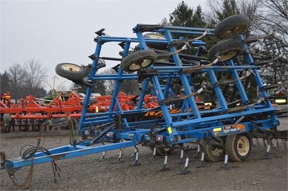 2003 DMI TIGERMATE II Field Cultivator For Sale