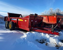 Manure Spreader-Dry For Sale: 2014 New Holland 195