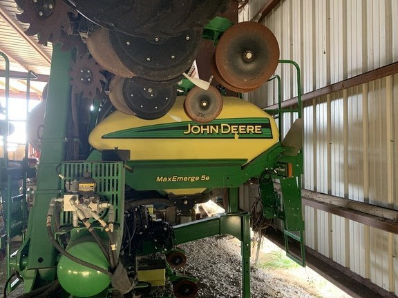 2017 John Deere 1725 CCS Planter For Sale