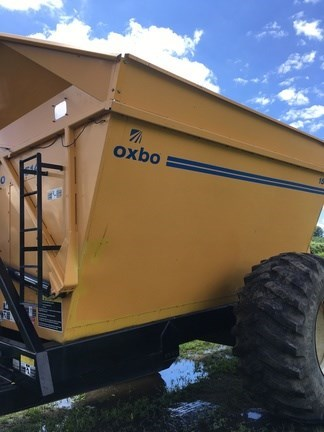 2010 Oxbo International Corporation 1514 Gravity Box For Sale
