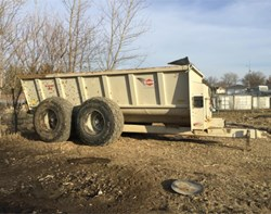 Manure Spreader-Dry For Sale: Kuhn Knight 8141