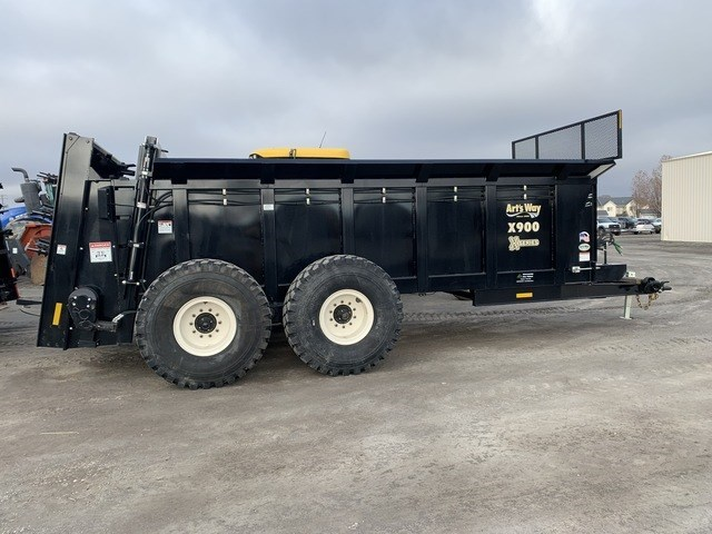 2021 Arts Way X900 Manure Spreader-Dry/Pull Type For Sale