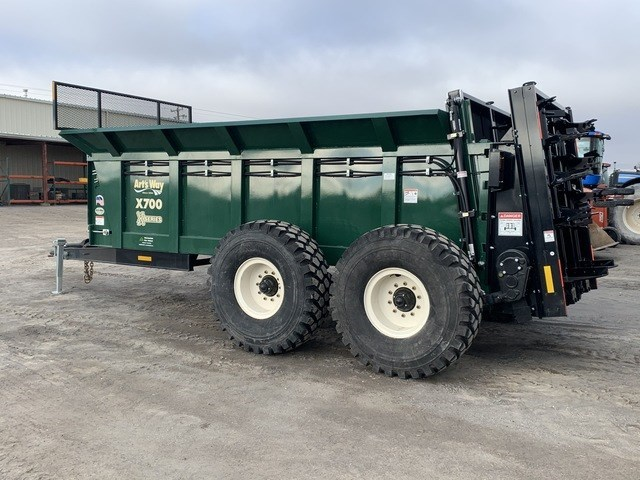 2021 Arts Way X700 Manure Spreader-Dry/Pull Type For Sale