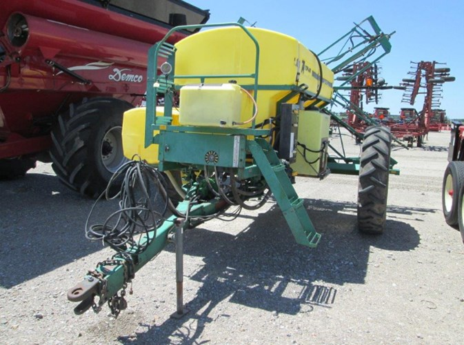 Top Air 1100 Sprayer-Pull Type For Sale