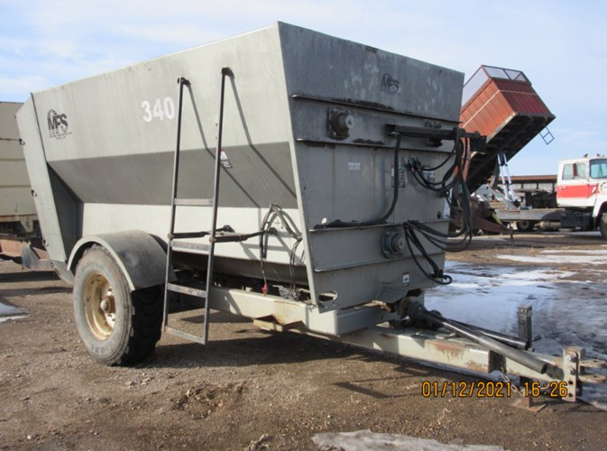 2007 Meyerink Farm Service 340 Feeder Wagon-Portable For Sale