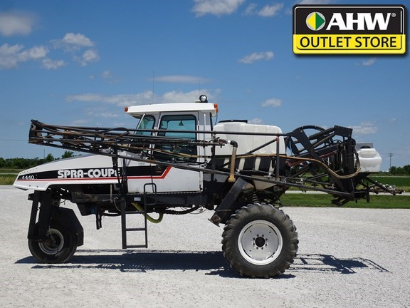 2000 Spra-Coupe 4440 Sprayer-Self Propelled For Sale