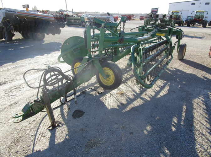 2005 John Deere 705 Hay Rake-Wheel For Sale