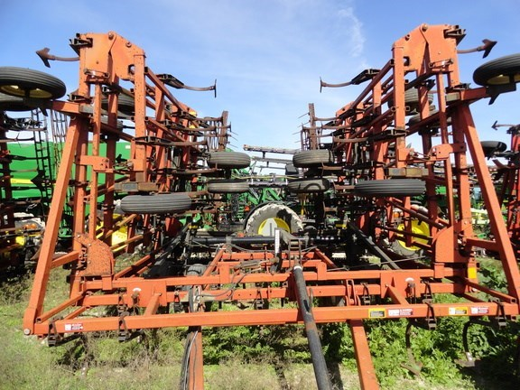 2003 Case IH 200 Field Cultivator For Sale