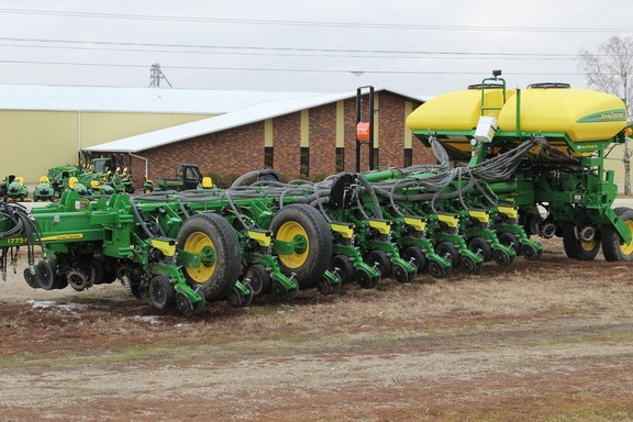 2017 John Deere 1775NT Planter For Sale