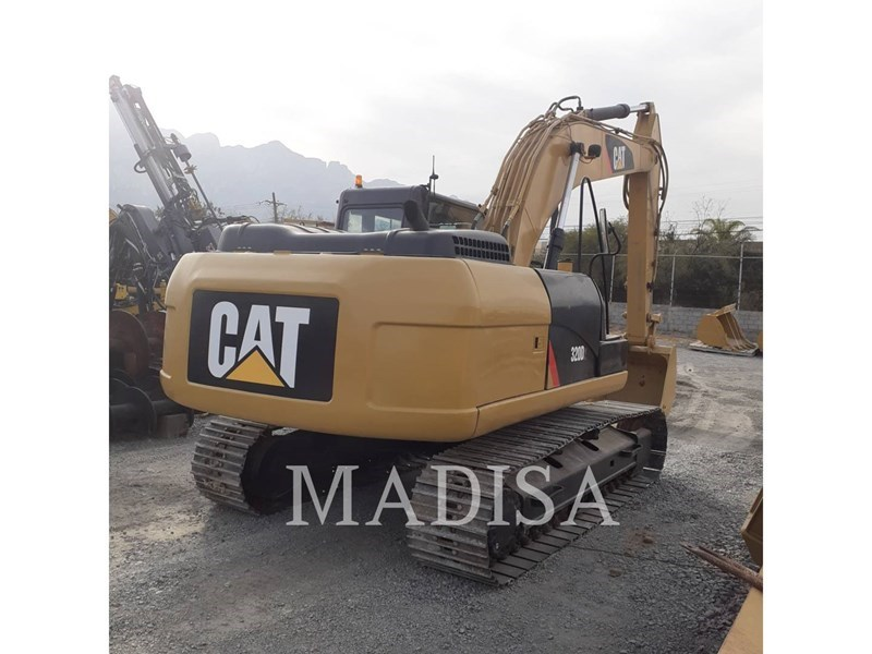 2014 Caterpillar 320D2 Image 3