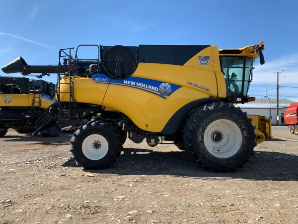 2020 New Holland CR7.90 Combine For Sale