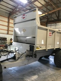Manure Spreader-Dry/Pull Type For Sale 2016 Kuhn PSC161