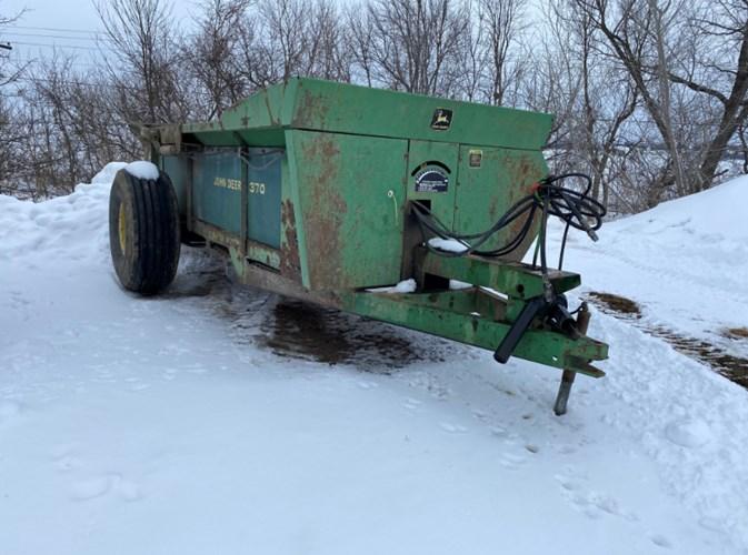 John Deere 370 Manure Spreader-Dry For Sale