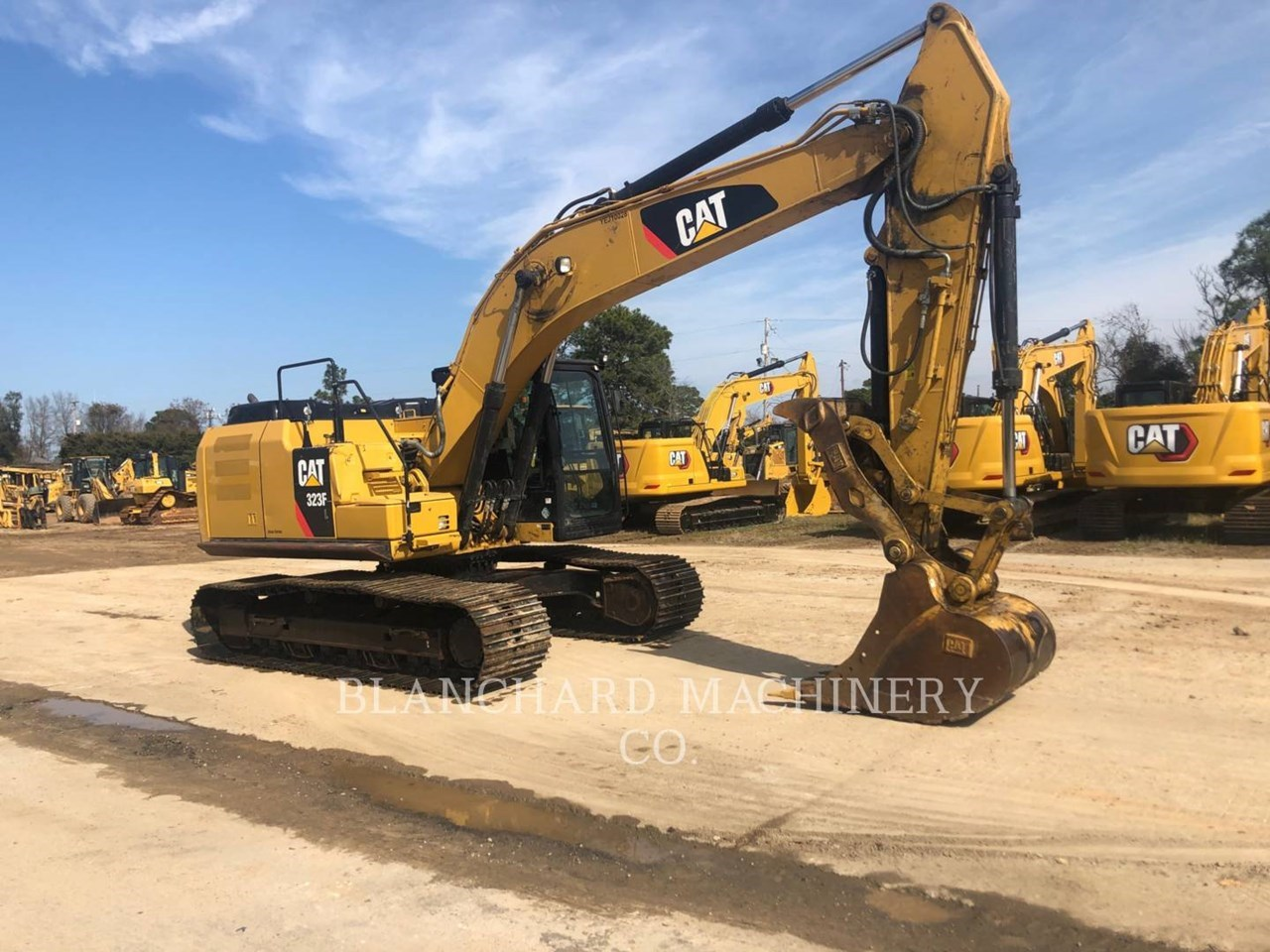 2017 Caterpillar 323FL Image 2