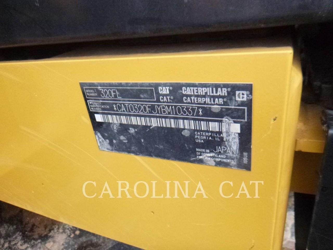2017 Caterpillar 320FL Image 6