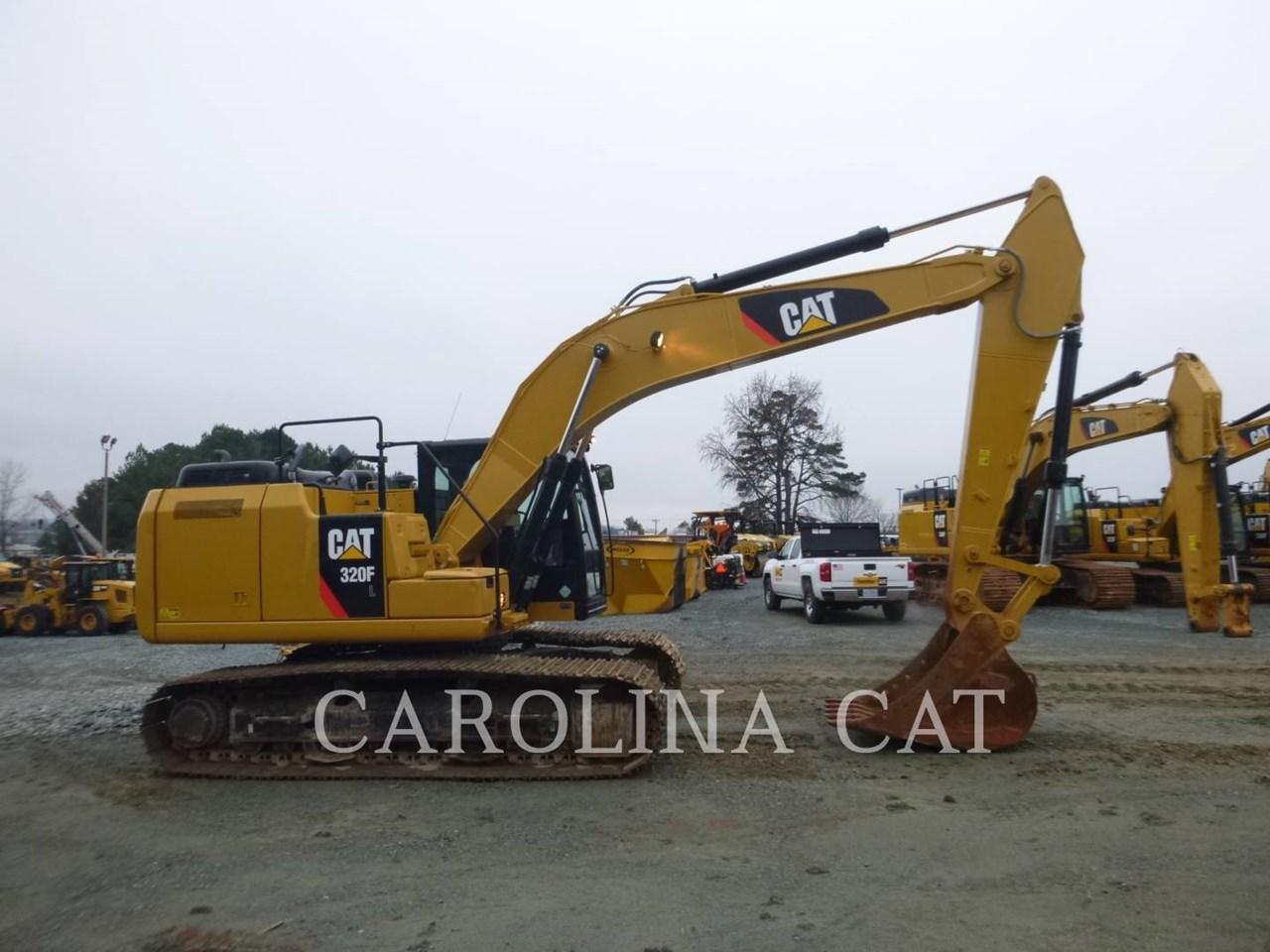 2017 Caterpillar 320FL Image 10