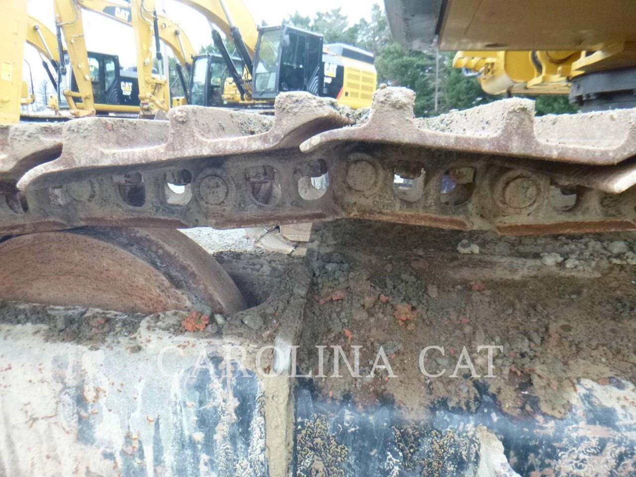2017 Caterpillar 320FL Image 13