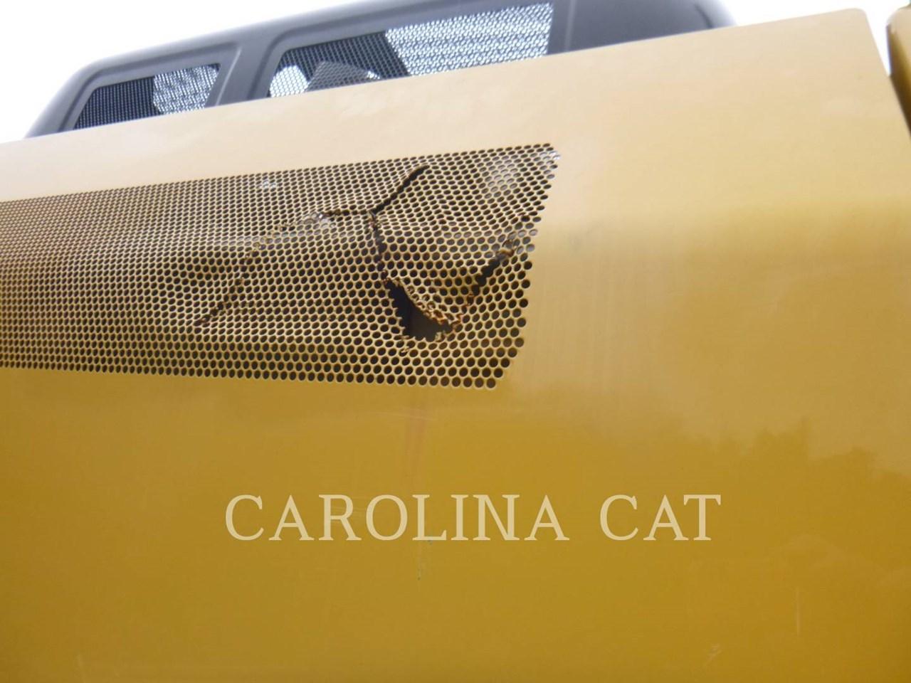 2017 Caterpillar 320FL Image 15