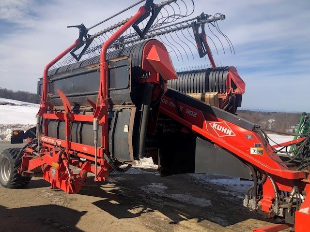 Kuhn MM902 Hay Merger For Sale
