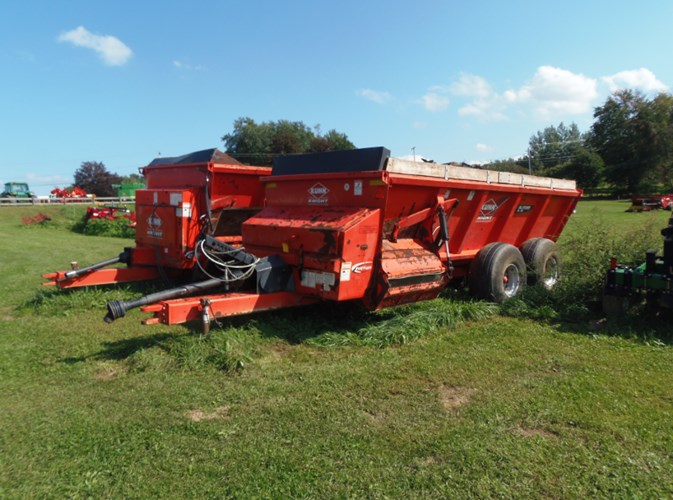 Knight SL118 Manure Spreader-Dry/Pull Type For Sale