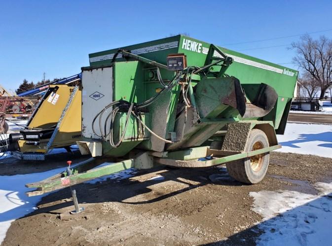 Henke B370 Feeder Wagon-Power For Sale
