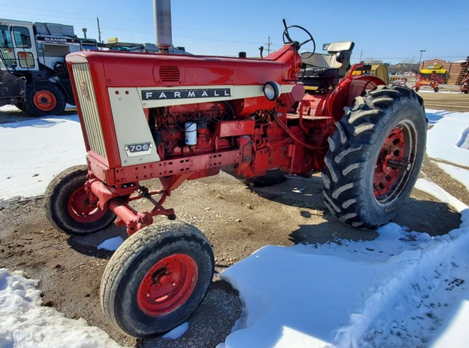 1964 International 706 Tractor For Sale