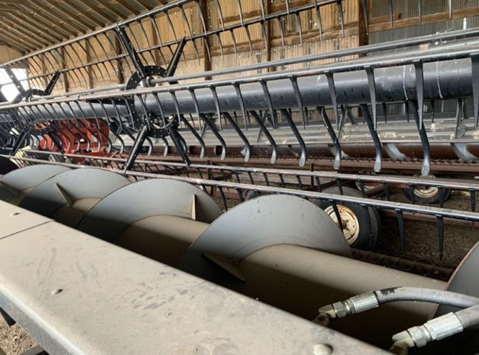 2003 Gleaner 8000 Header-Auger/Flex For Sale