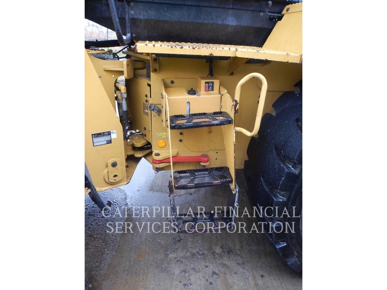 2017 Caterpillar 938M Image 14
