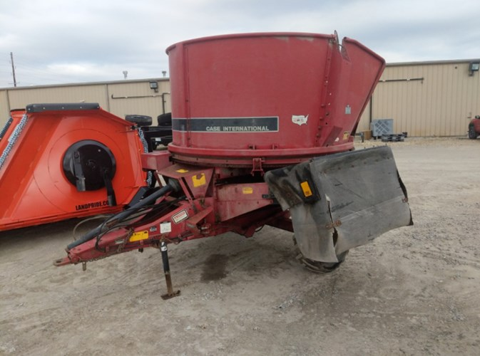 Case IH 8610 Bale Processor For Sale