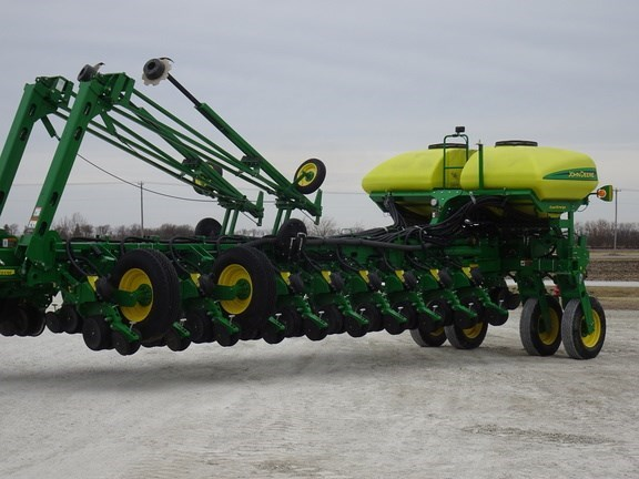 2015 John Deere 1775NT Planter For Sale