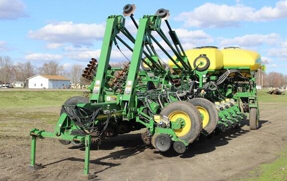 2009 John Deere 1770NT CCS Planter For Sale