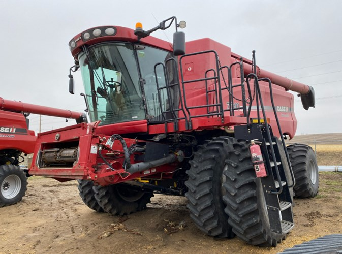 Case IH 7010 Combine For Sale