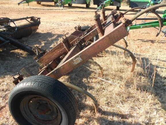 1985 Farm King Allied MI 7 Plow-Chisel For Sale