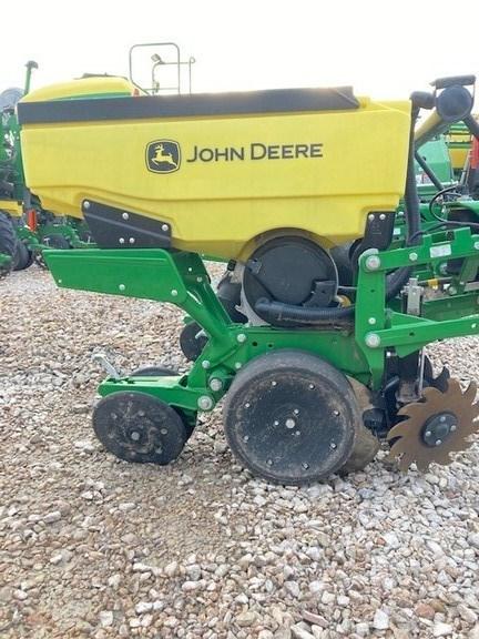 2021 John Deere 1725 Image 3