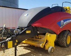 Baler-Round For Sale: 2014 New Holland 330S