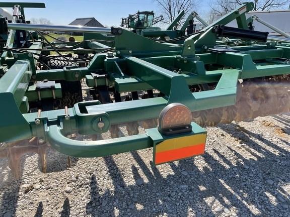 2010 Great Plains 4000TM Image 12