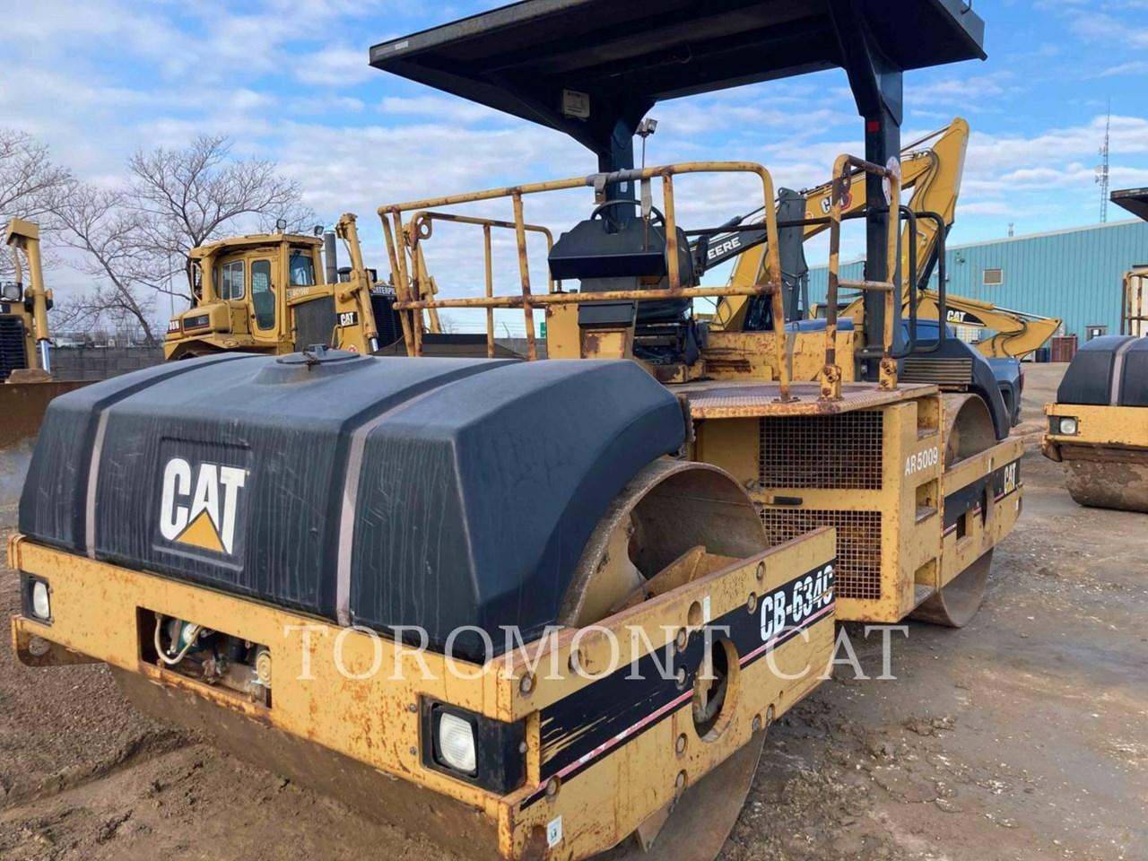 2000 Caterpillar CB634C Image 1